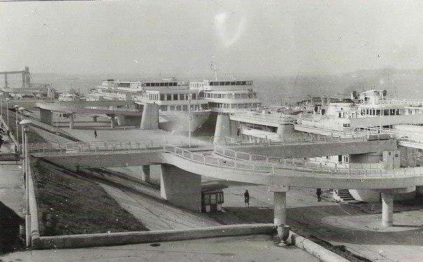 Куйбышев. Речной вокзал.  Сентябрь 1980 года. Фото из проекта
