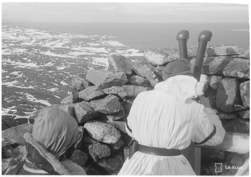 Наблюдательный пункт на хребте Муста Тунтури . Самый северный сухопутный участок советско-германского фронта 1941-1944 г. ( Кольский полуостров )