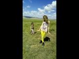 Полина учит Сашу позировать