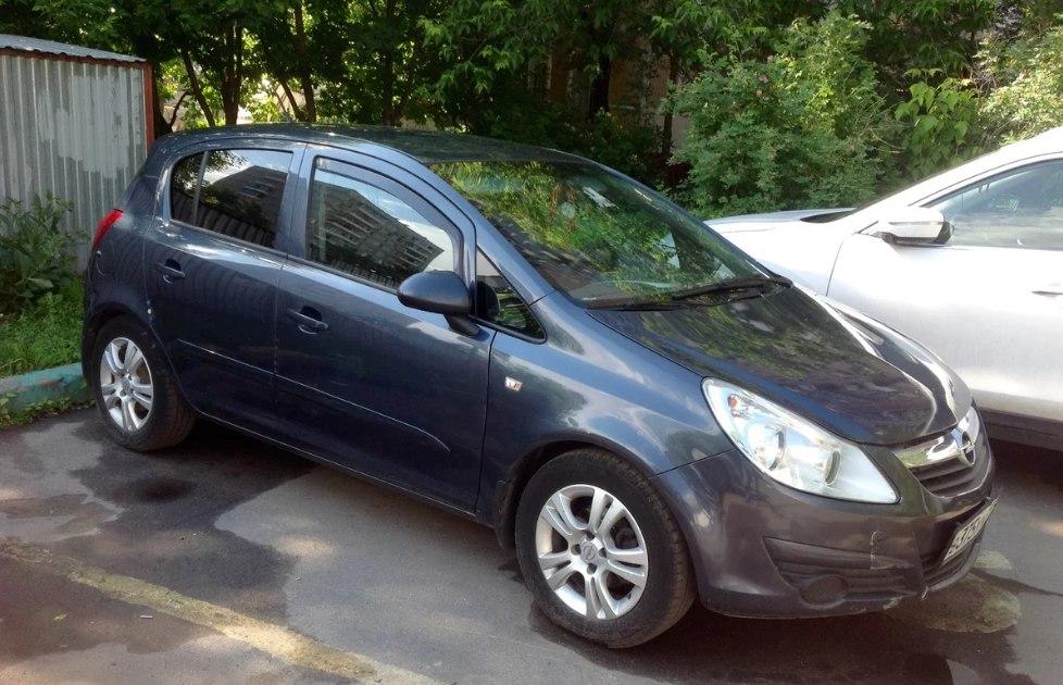 В Таганроге полицейские задержали 26-летнего таганрожца, угнавшего у родственника Opel Corsa