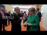 Хроники изоляции... За два дня общения с Путиным Меркель перешла на русский язык...Саммит G20