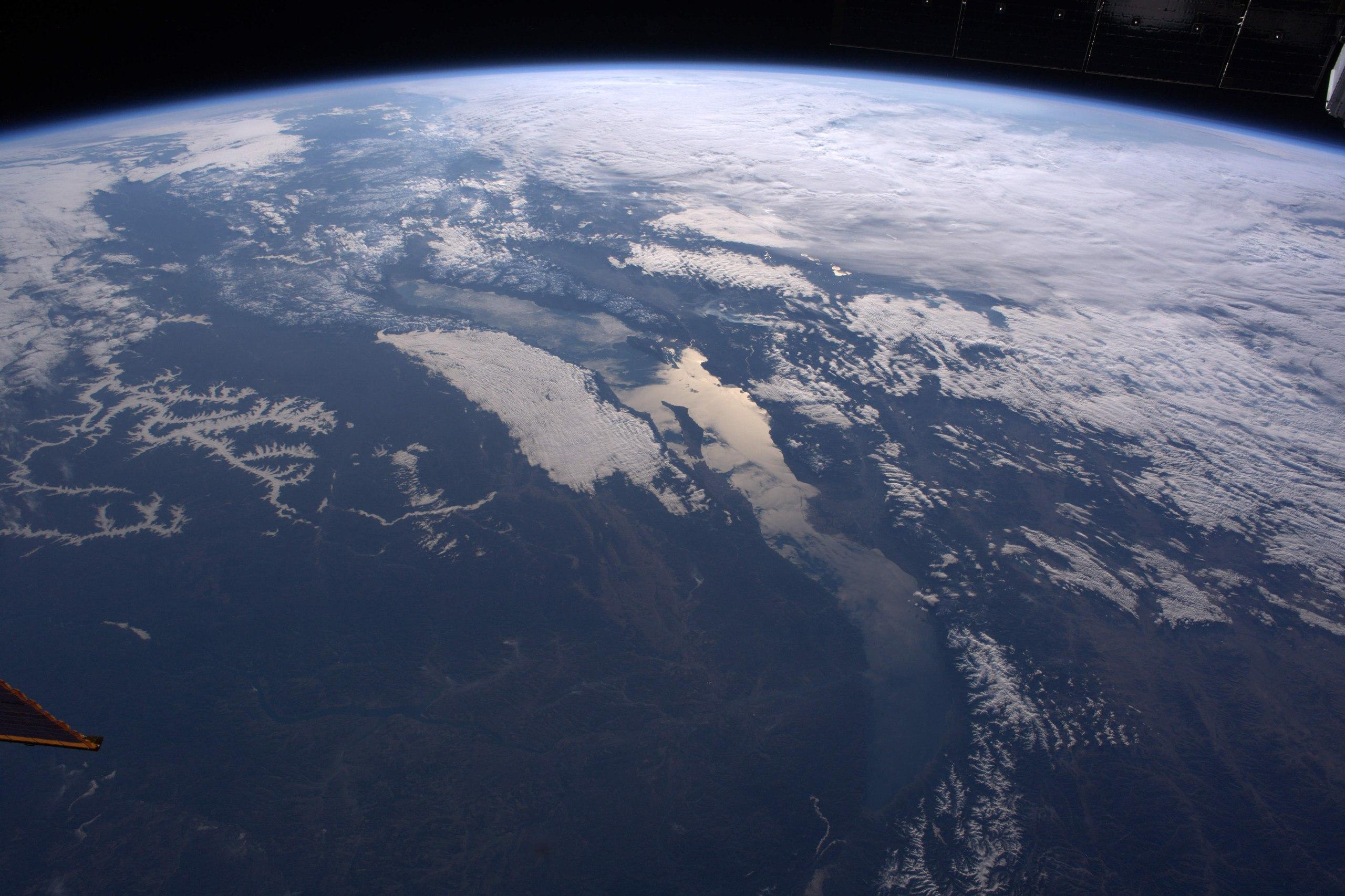 грек это интересные фото земли со спутника действие