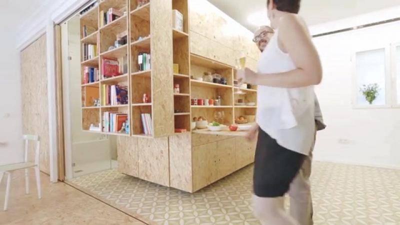 Три трансформируемых блока из OSB плит в квартире-студии