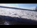 В Якутии такие глубокие колеи что рулить необязательно
