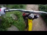 С горы на велосипеде [720]