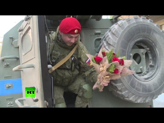 Российские военные поздравили служащих в Сирии женщин с 8 Марта
