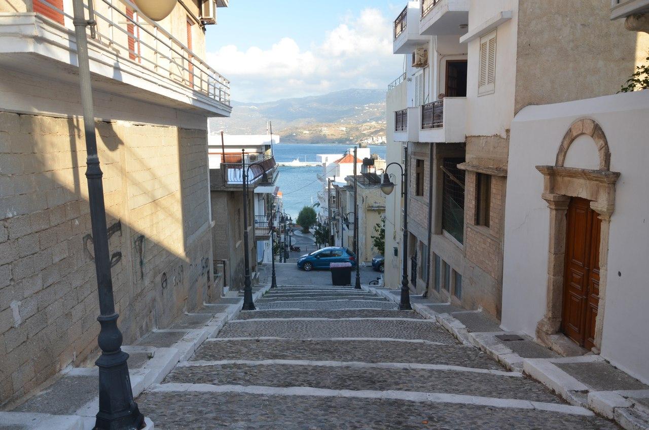 Eu34jhbjtJQ Сития – оживленный городок в Восточной части Крита.