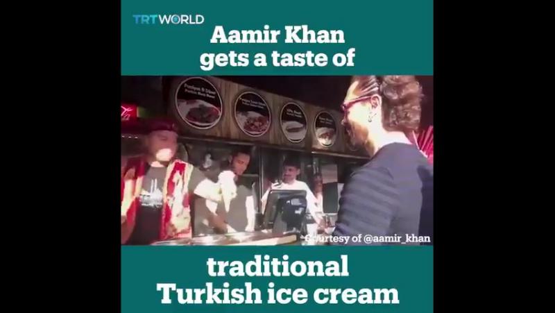 Турки продавцы мороженного, артистично дразнят клиента актера Болливуда aamir_khan