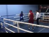 Арутюнян Артем (красный угол Антей) Коршунов Артем (синий Зенит)3й раунд