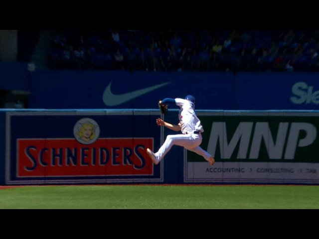 HOU@TOR: Donaldson leaps to start amazing double play
