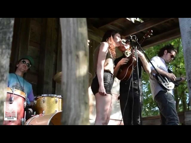 NMF Gladden House Sessions Saintseneca