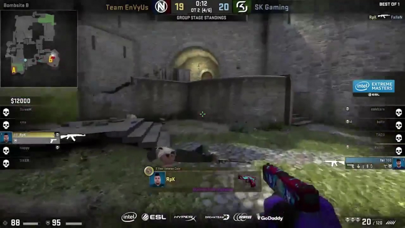 RpK with the 4k to to tie up the score in the second overtime at IEMOakland !