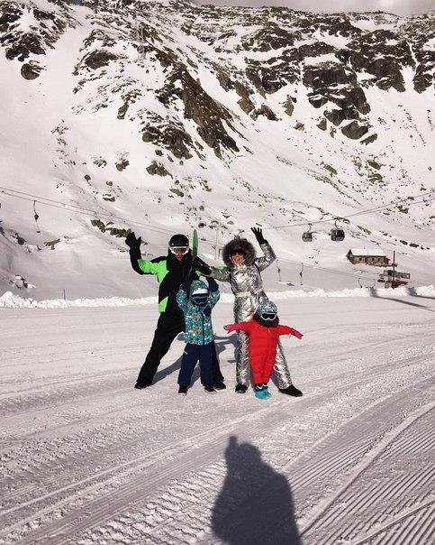Ляйсан Утяшева и Павел Воля отправились на горнолыжный курорт