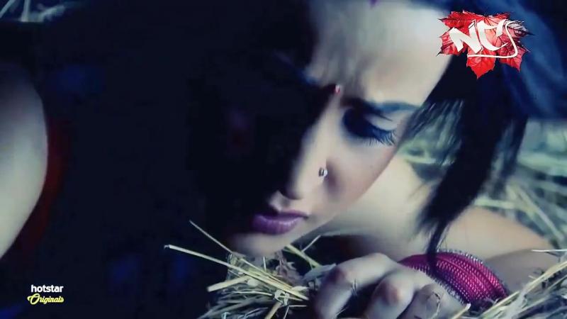 Barun Sobti and Sanaya Irani Scene love story