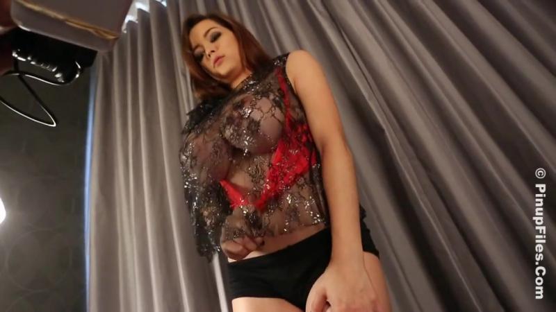 Порно большие мягкие сиськи попка домашнее втроем дилдо милая вебкам Tessa Fowler