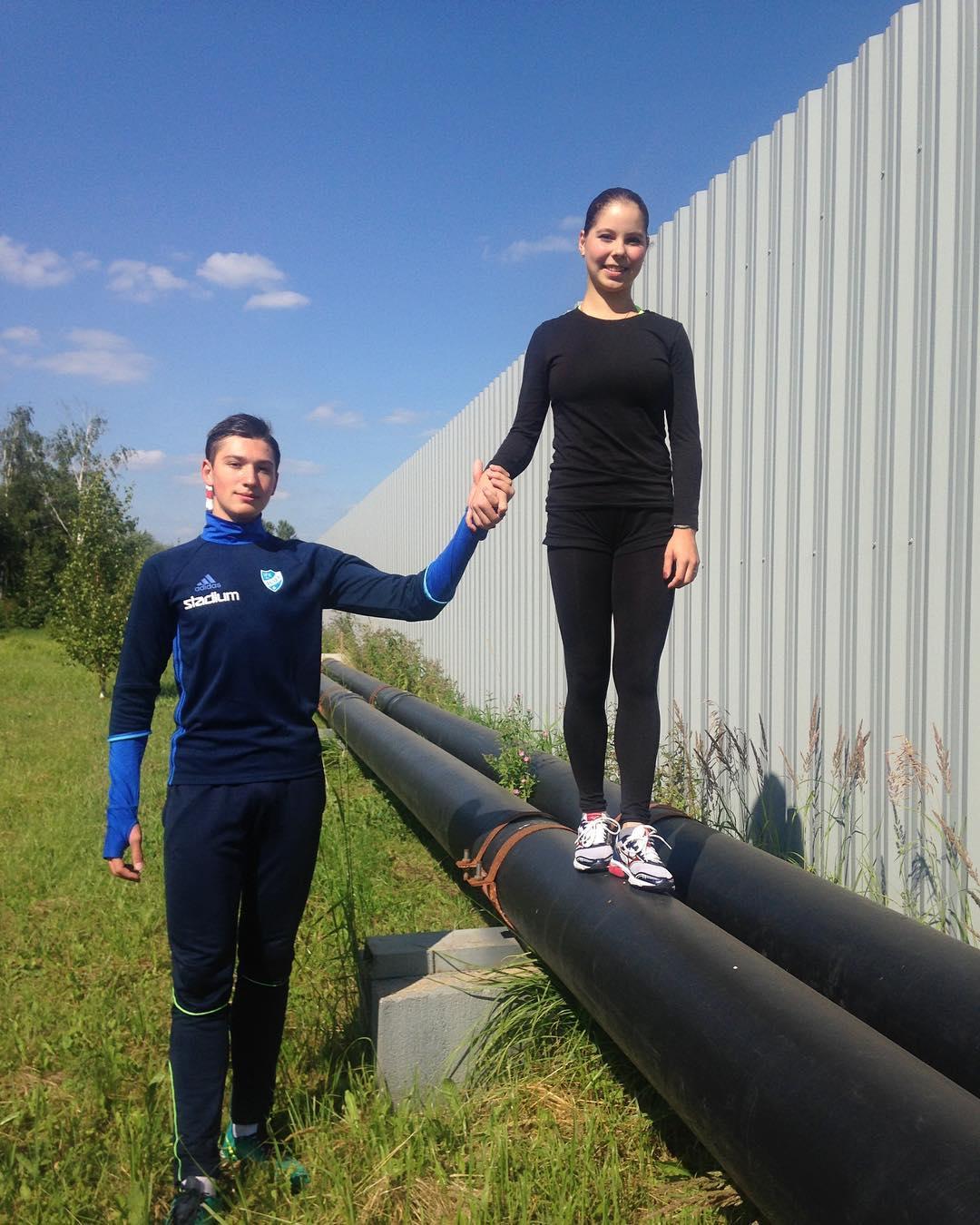 Группа Великовых - СДЮШОР, Академия фигурного катания (Санкт-Петербург) - Страница 5 La9cSNWgHKw