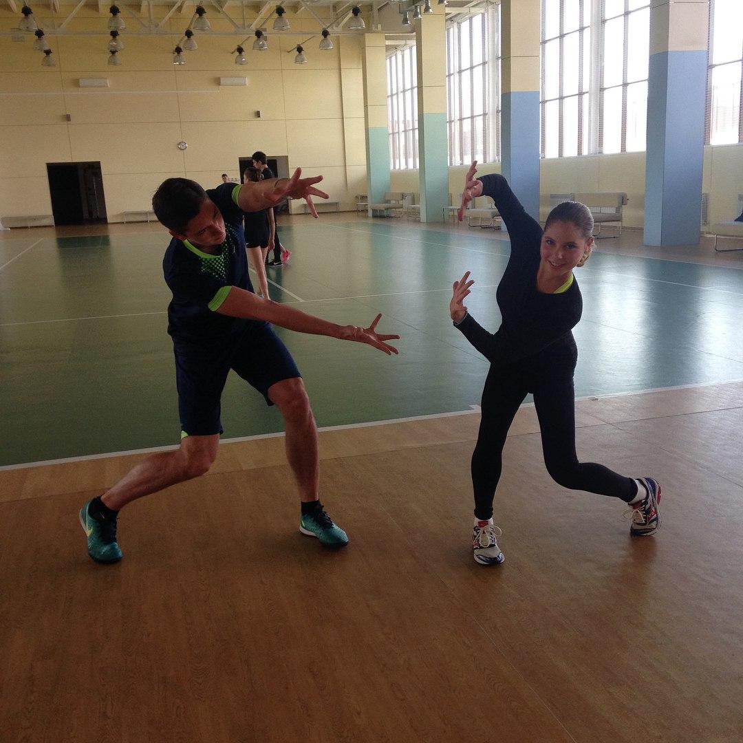 Группа Великовых - СДЮШОР, Академия фигурного катания (Санкт-Петербург) - Страница 5 CaAkIBxR_As