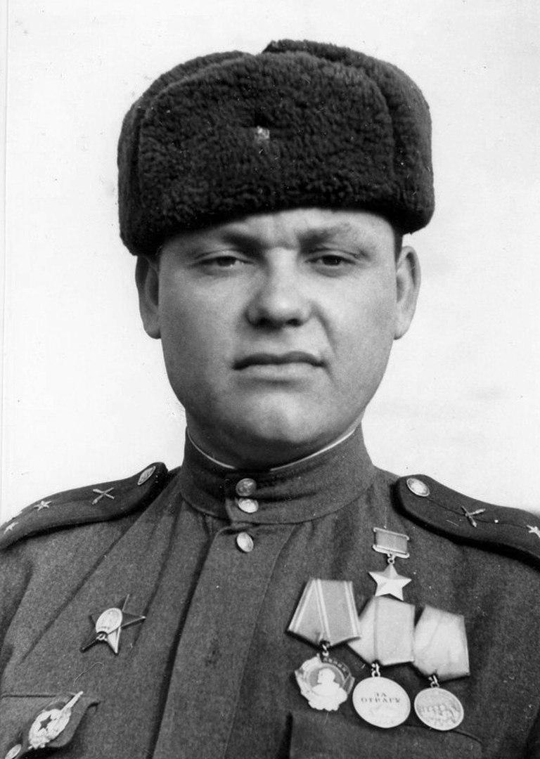 Всего в ходе Курский битвы с 5 июля по 4 августа 1943 года уничтожил 8 немецких...