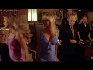 Блондинки Дениз Ричардс (Denise Richards) и Памела Андерсон (Pamela Anderson) -