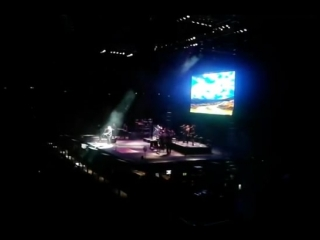 Barry Gibb - The Long and Winding Road (Brisbane 16.2.2013)