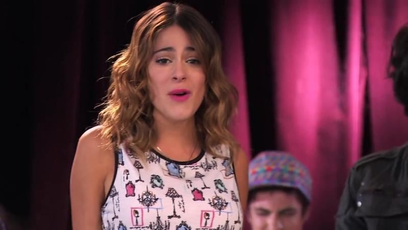 Violetta_ Vilu y los chicos cantan ¨Algo se enciende¨ (Ep 48 Temp 2)
