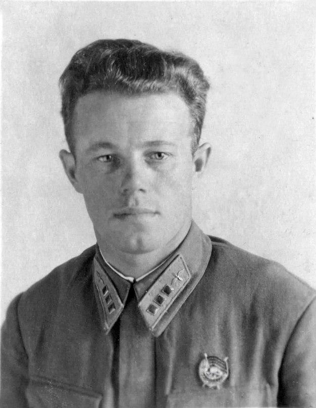 2 августа 1942 года гитлеровцы бросили для бомбардировки советских войск, оборон...