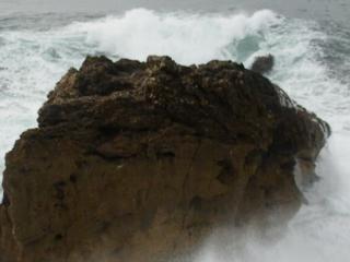 ГДЕ САМЫЕ БОЛЬШИЕ В МИРЕ ВОЛНЫ (НАЗАРЕ, ПОРТУГАЛИЯ)В Португалии, есть место где встают 30-ти метровые волны и на них ставят реко