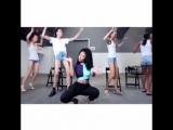 Nicki Minaj dancing Anaconda with models. 2014.