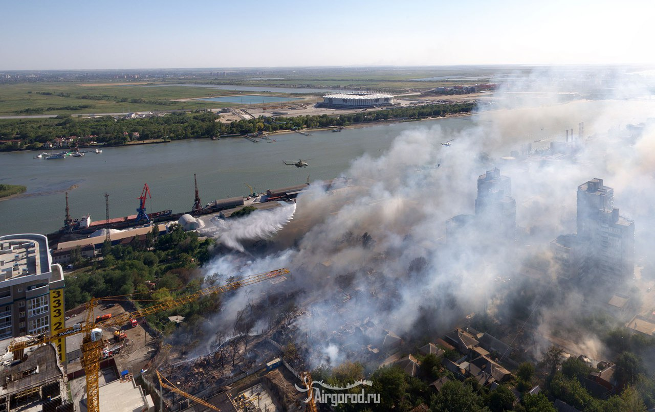 Таганрогские огнеборцы принимали участие в тушении крупного пожара в Ростове