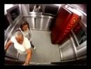 Верный способ по тролить всяких там Зоечек и Раечек в лифте))