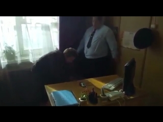 Измайлов ловит покемона (полицейский с рублевки)