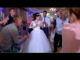 Артур  Женщина я не танцую.(песня Стас Костюшкин).Провел свадьбу и пел для всех классных и веселых гостей. Ресторан Робин Бобин.