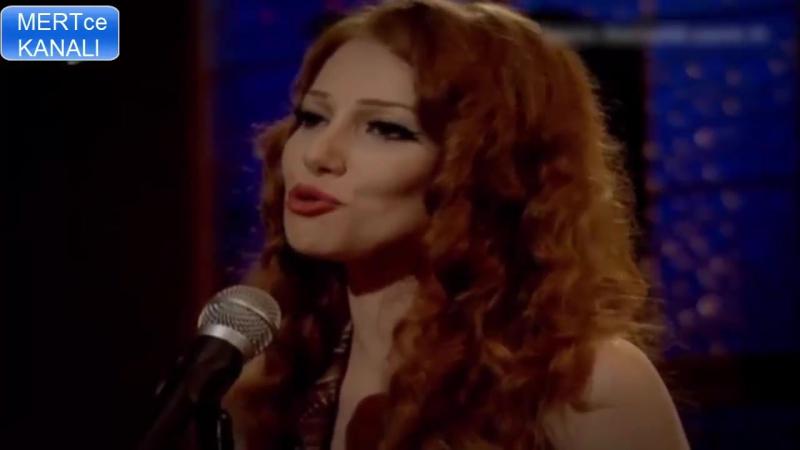 Elçin Sangu MuhteŞem Sesiyle Şarkı Söylüyor