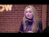 Сабрина выступает с песней Thumbs на шоу Zach Sang (11 января 2017 г. Лос-Анджелес, США)