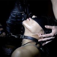vid-prinuditelnogo-oralnogo-seksa-muzhskoe-dominirovanie-bdsm-smotret-porno-polnostyu-ruku-v-zhopu