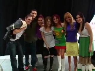 RBD - Conoce a Hilary Duff (Rebelde)