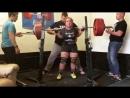 Натали Хансен приседает 247,5 кг