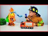 ПОЖАРНАЯ МАШИНКА Микки Мауса и Пожарный Даник - Видео для Детей про Пожарных - Тушим ДОМИК НА ДЕРЕВЕ