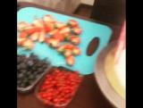 Оформляем торт с ягодами. Кондитер Марина Алдохина