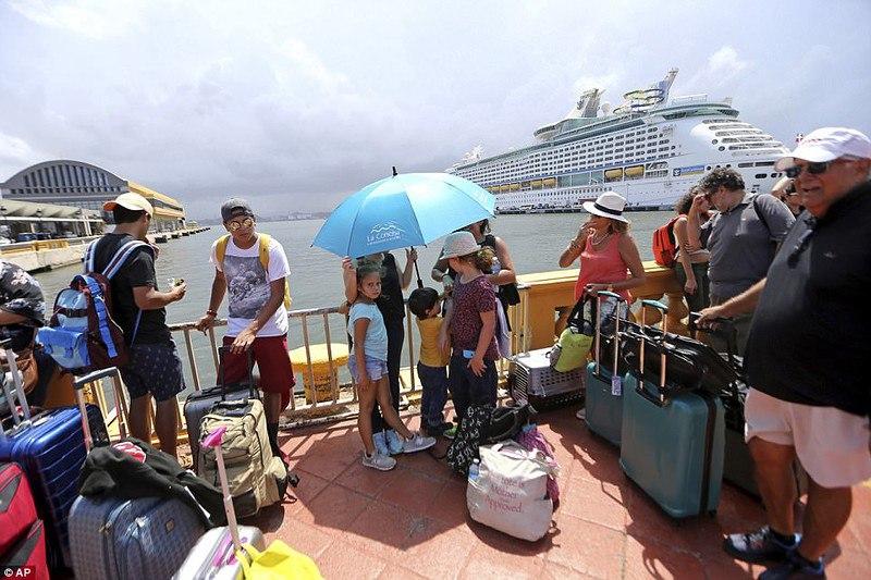 США накрывает новая волна беженцев из Пуэрто-Рико