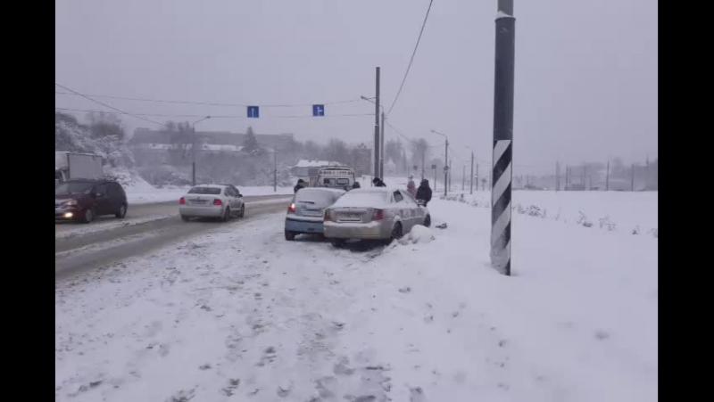 Авария на Лыбедской магистрали