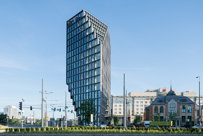 MVRDV's shapeshifting bałtyk tower in Poznań appears to change with your vantage point