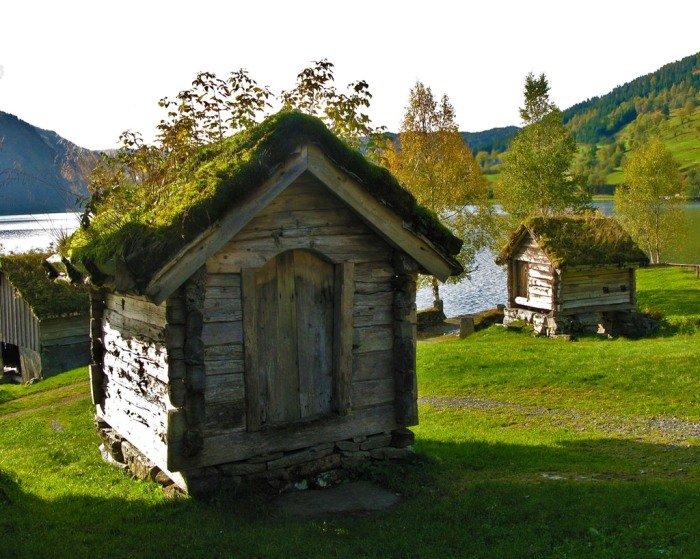 Дома с травяной крышей в Норвегии