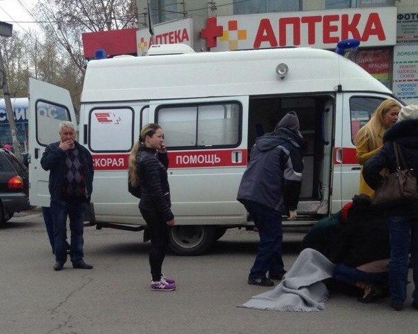 Ребенок попал под колеса внедорожника на переходе в центре Томска