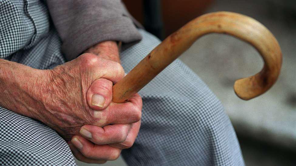 Под Таганрогом сотрудники угрозыска задержали азовчанку, ограбившую 91-летнего старика