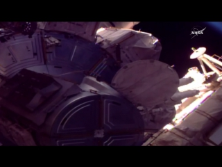 Работа астронавтов NASA в открытом космосе