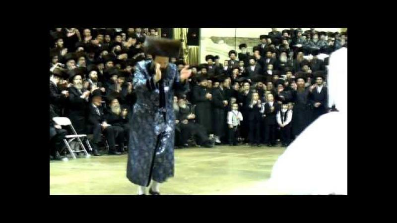 BOBOV PUPA WEDDING TENS OF THOUSANDS DANCING IN BROOKLYN NY