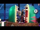 'Stranger Things' Stars Play 'One-Eyed Monster'