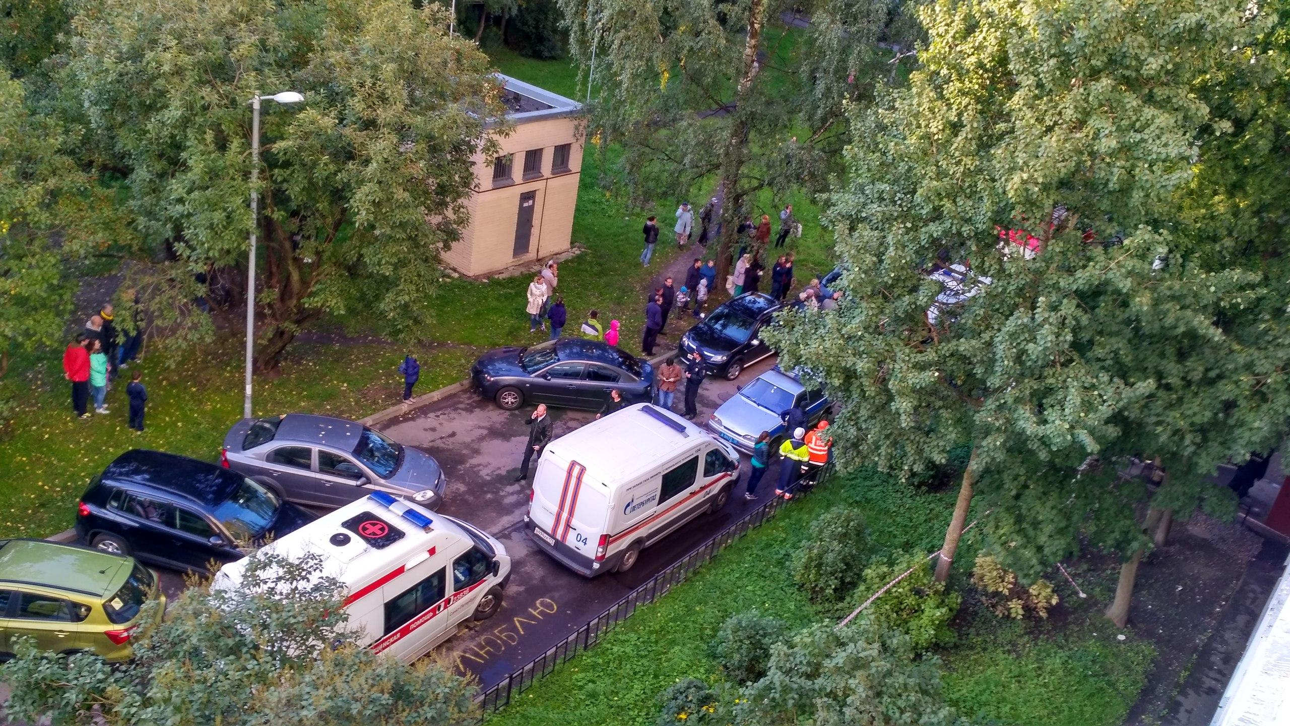 ВПетербурге эвакуировали дом из-за хлопка газа