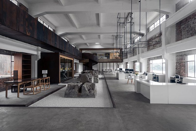 LAD juxtaposes old and new inside 1978 cultural creative park offices in china